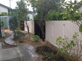 小道と植栽
