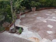 石英石とまさ土舗装で雑草対策